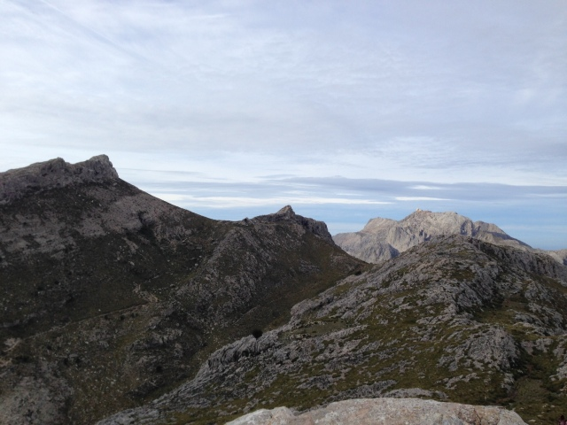 De izq. a dcha.: Massanella y Puig Major. Foto de Estefanía Alfonso