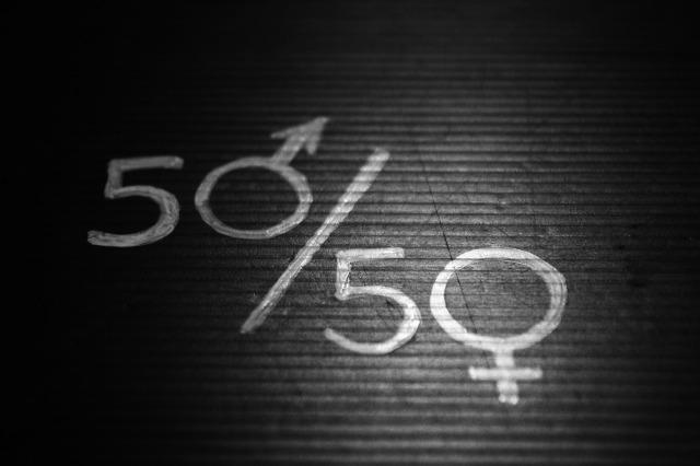 women-2196594_1920.jpg